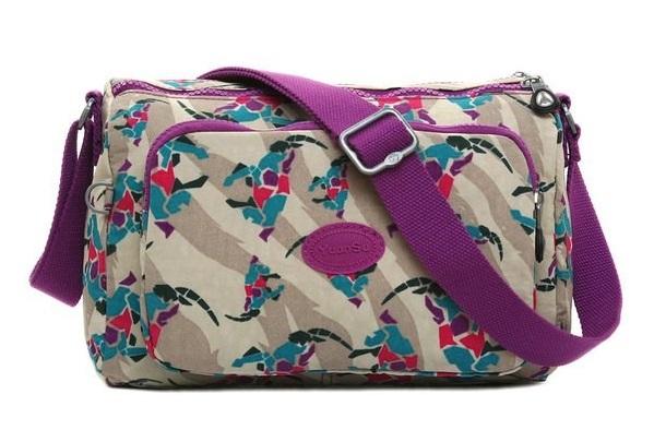 Продажа через «одностраничники» брендовых сумок оптом из Китая. fdc3e344982