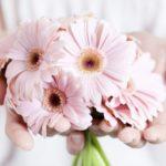 Искусственные цветы из Китая оптом.