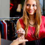 Одежда оптом из Китая недорого: как вернуть некачественный товар?