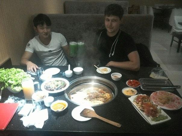Китайцы любят приглашать потенциальных партнеров в ресторан.
