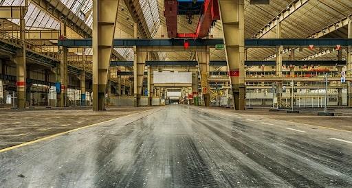 Китайские заводы во время местного Нового года выглядят примерно так: работать некому
