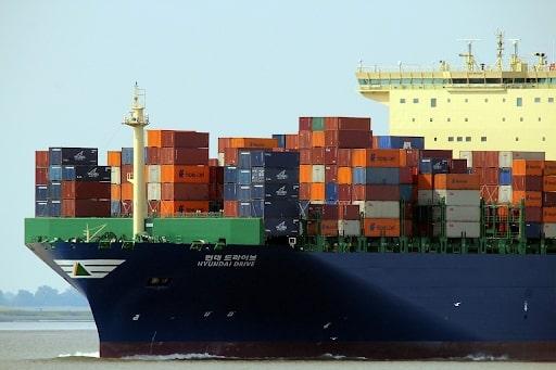 Возить грузы в белую выгодно не только, когда объемы закупок исчисляются целыми кораблями и требуют миллиардных бюджетов