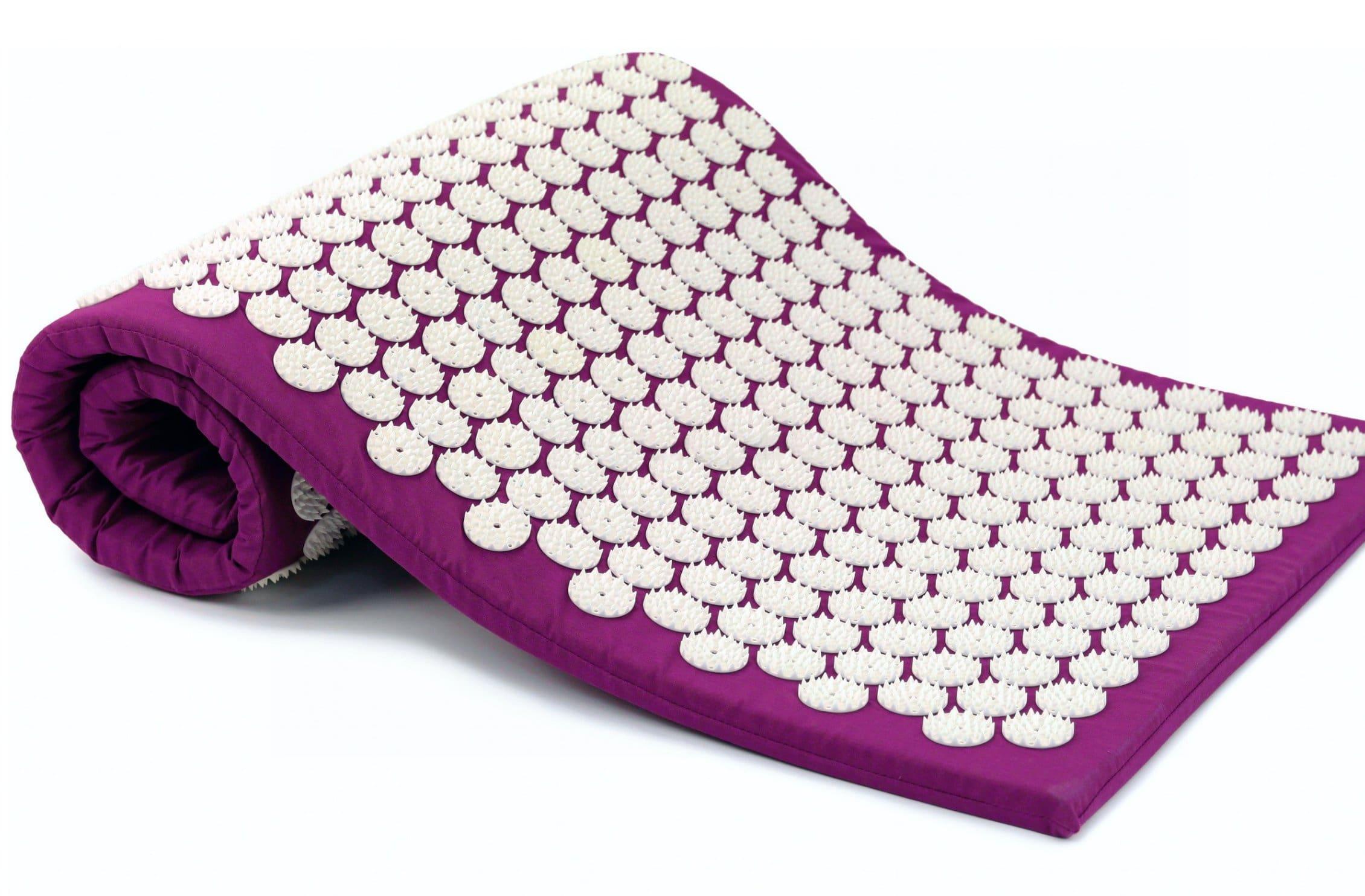 «Аппликатор Кузнецова» — коврик с игольчатыми пластмассовыми кнопками.